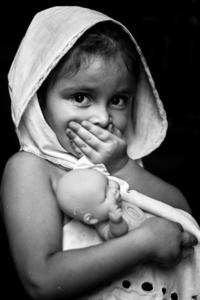 Bambina silenzio