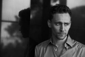 Tom Hiddleston, di Peter Lindbergh.