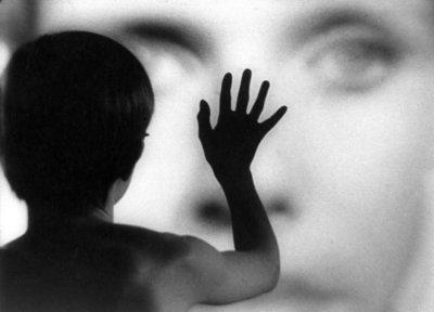 """Scena dal film """"Persona"""" (1966), di Ingmar Bergman"""